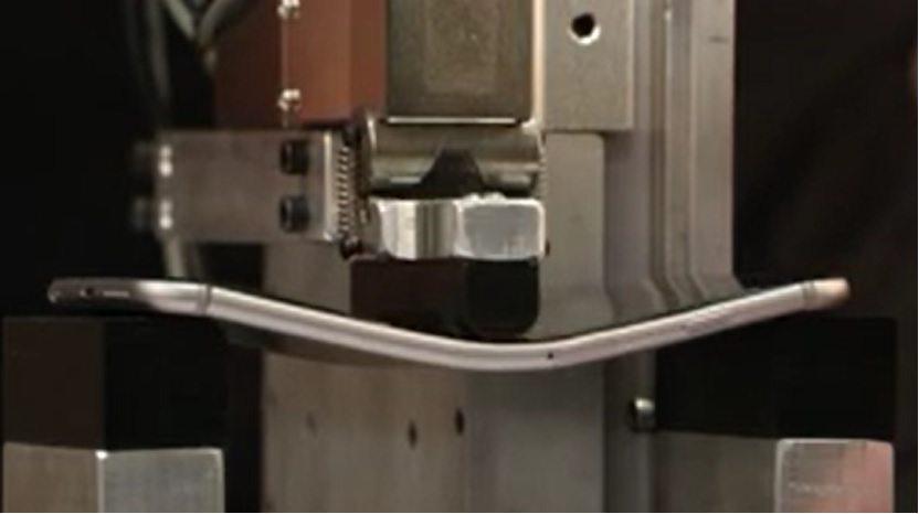 samsung galaxy s6 edge bend test video, htc one m9, iphone 6plus