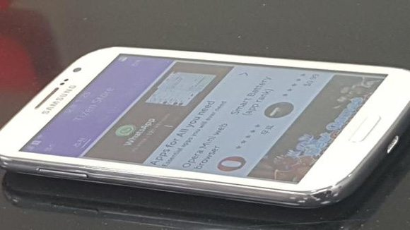 samsung z2 tizen smartphone, samsung z2 pictures, samsung z2 tizen phone leaks, image leaks