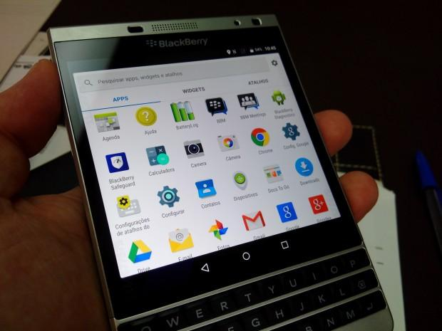 blackberry passport silver edition running android