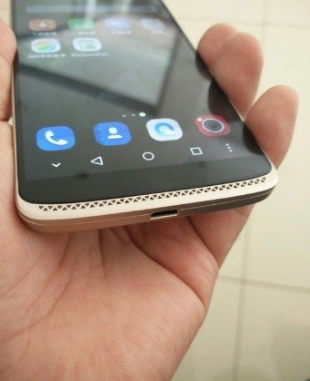 zte axon mini hands-on images