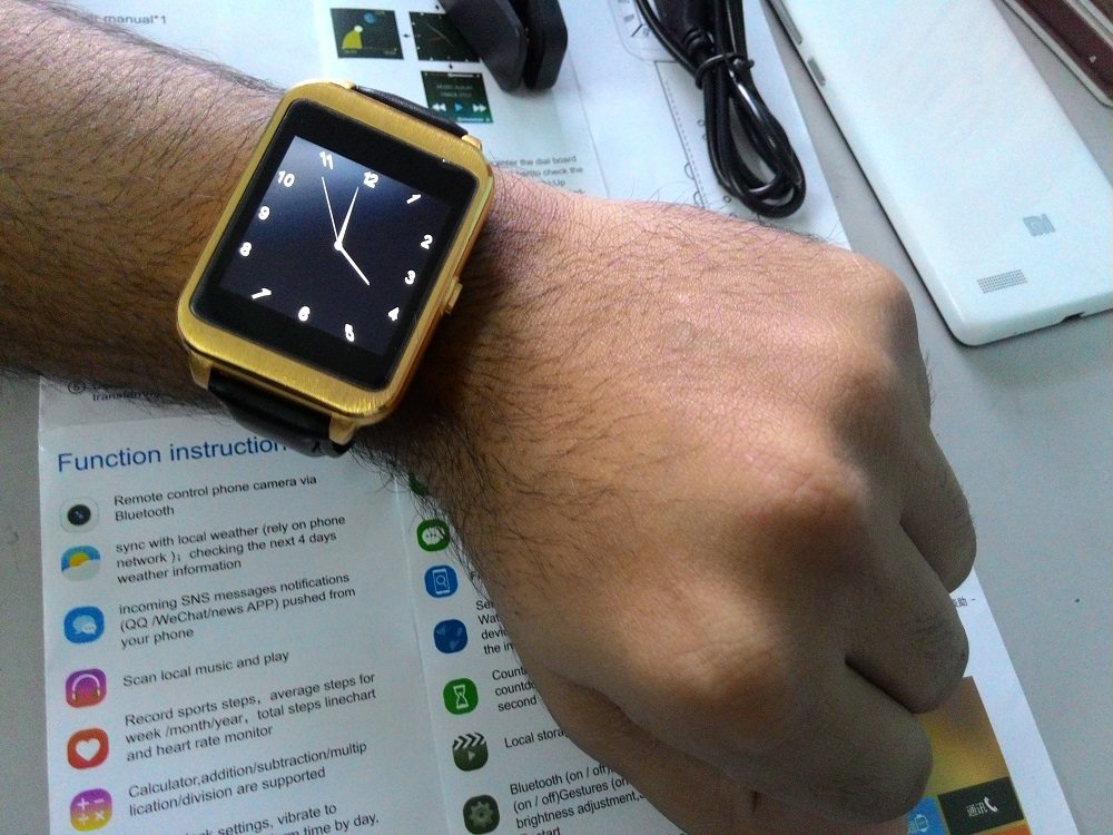 i95 Android Smartwatch display