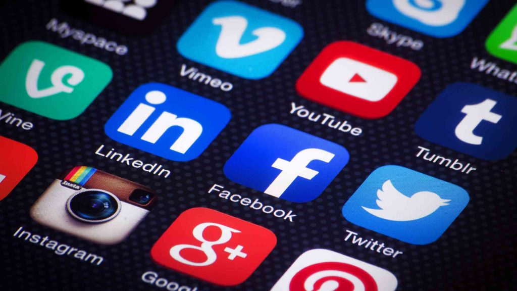 25 percent people abondn mobile apps after one use-compressed