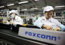 Foxconn employee steals 5700 iphones