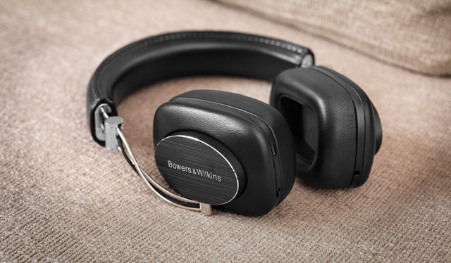 10-best-wireless-lightning-headphones-for-apple-iphone-7-5