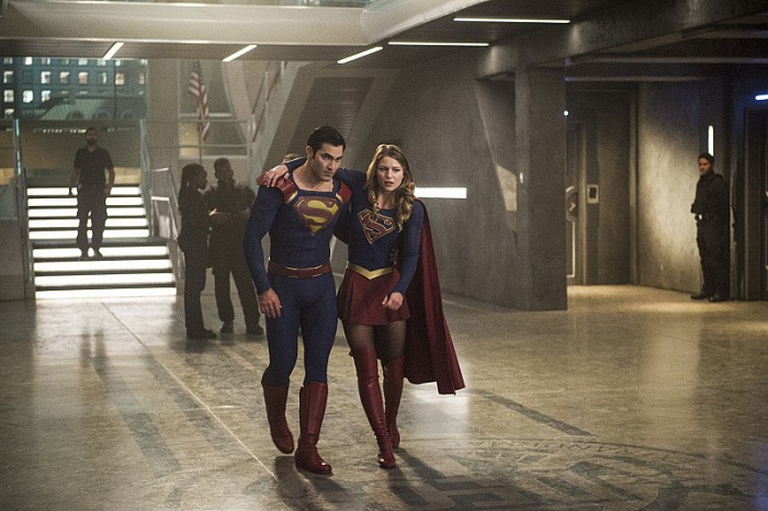 supergirl-season-2-superman-supergirl-deo