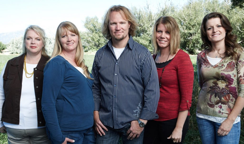 SISTER WIVES, (from left): Janelle Brown, Christine Brown, Kody Brown, Meri Brown, Robyn Brown, (Season 1), 2010-. photo: Joe Pugliese / © TLC / Courtesy: Everett Collection