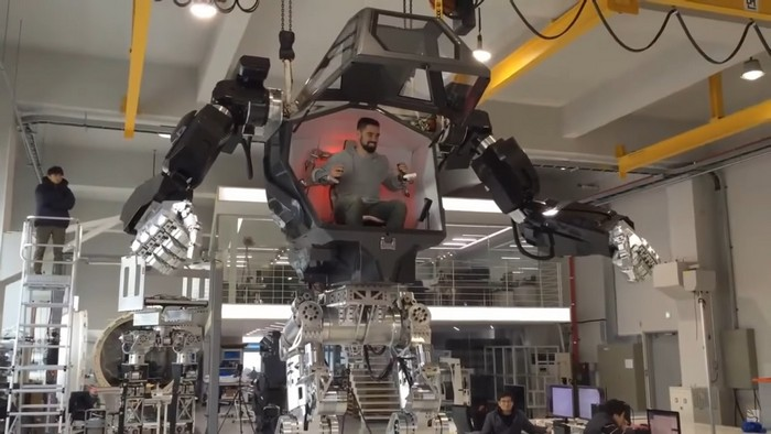 South Korean Company S Giant Walking Robot Is Real After All Mobipicker