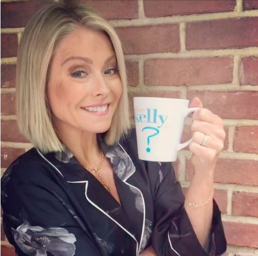 Kelly Ripa Live host